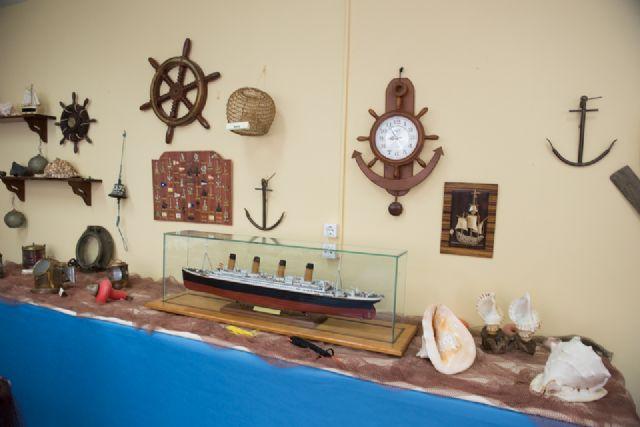 Los mayores de Puerto de Mazarrón celebran el xxiv aniversario de su Centro de Día con una exposición dedicada al mar, Foto 3