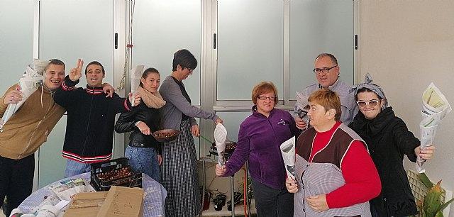 Fiesta de la Castañada en el centro de día de personas con discapacidad intelectual - 1, Foto 1