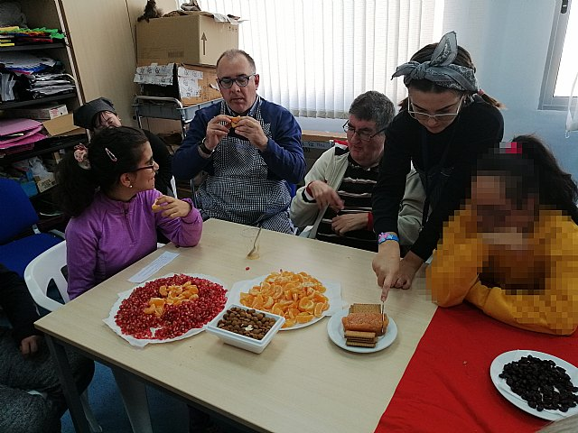 Fiesta de la Castañada en el centro de día de personas con discapacidad intelectual - 2, Foto 2