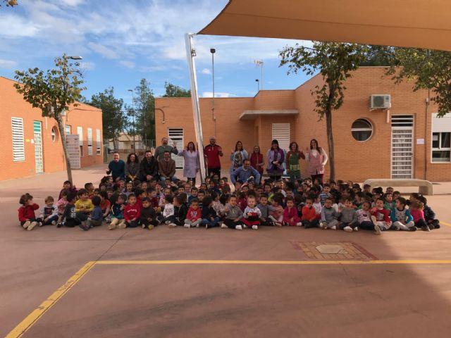 El colegio Hernández Ardieta ya cuenta con un toldo para evitar las alta temperaturas - 1, Foto 1