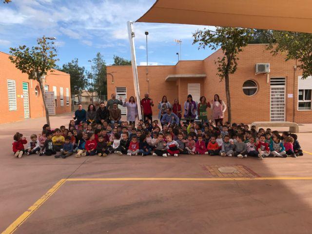 El colegio Hernández Ardieta ya cuenta con un toldo para evitar las alta temperaturas - 2, Foto 2