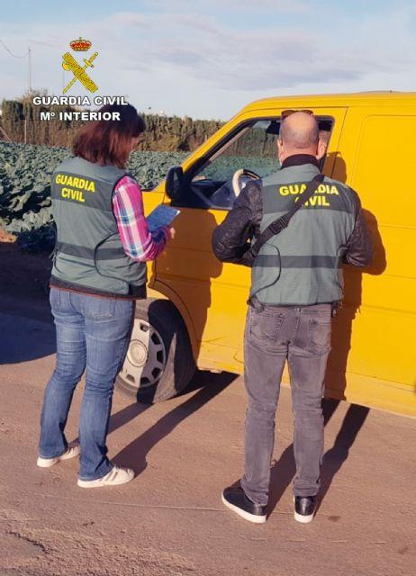 La Guardia Civil detiene a nueve personas por delitos contra los derechos de los trabajadores y contra la libertad sexual - 1, Foto 1
