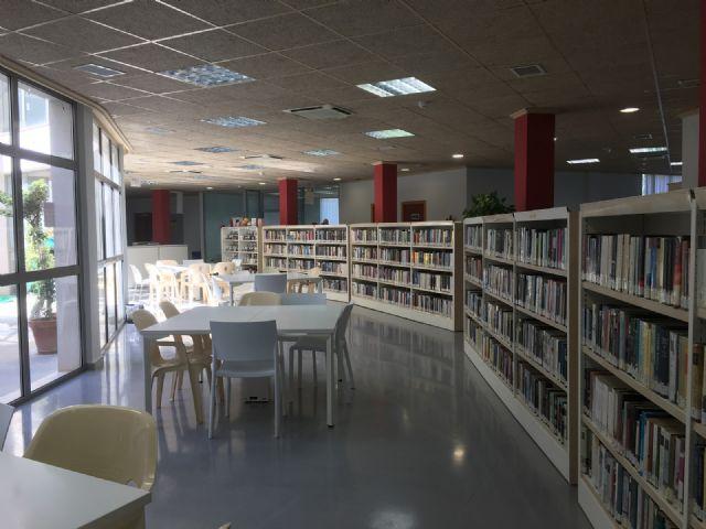 Los Premios María Moliner distinguen a la biblioteca de San Javier por su proyecto de promoción de la salud mental a través de la lectura - 1, Foto 1