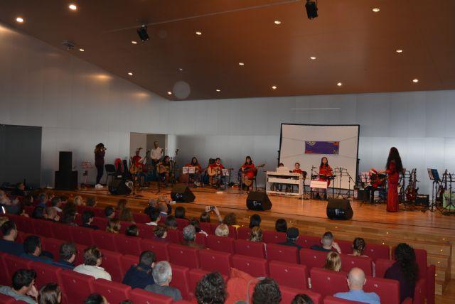 La Escuela de Artes Nogalte celebra su festival de Navidad a beneficio de Afemac - 2, Foto 2