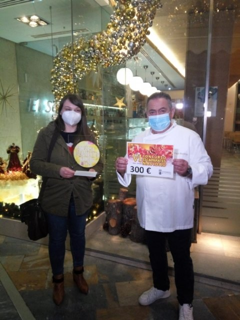 [Pasteler a El Sereno, Florister a Riquelme and Mundo Piñata win the VI Christmas Shop Windows Contest