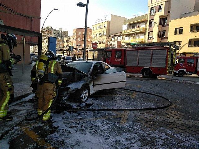 Incendio de un vehículo en Cieza - 1, Foto 1