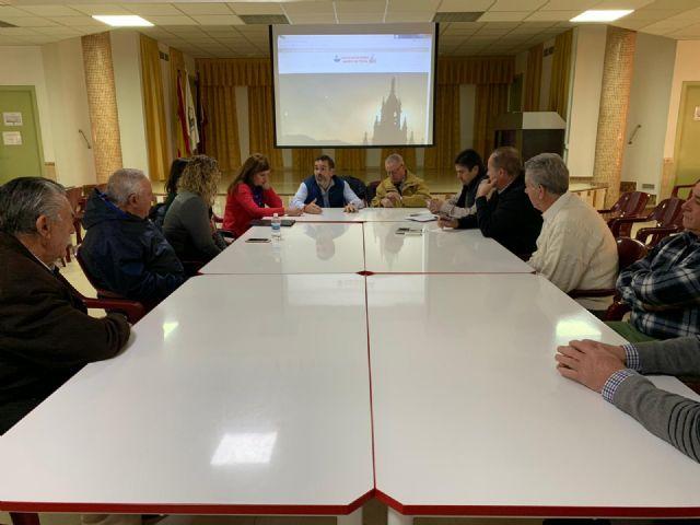 El Grupo municipal MC mantiene un provechoso encuentro de trabajo con los vecinos de Barrio Peral - 2, Foto 2