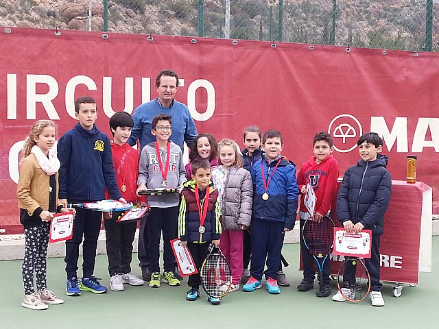 More than a dozen children from the Kuore tennis school participate in the I league regional amateur tennis