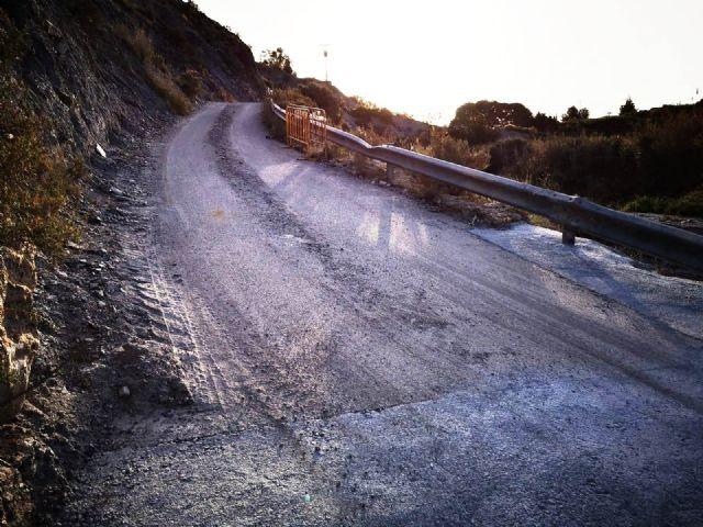 Arreglan el tramo de la carretera de La Huerta en su intersecci�n con la rambla de Los Molinos, a la altura de la ermita de esta diputaci�n, Foto 6