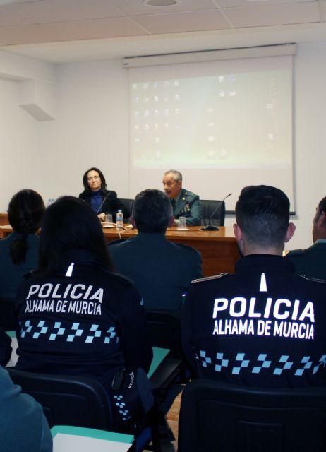 La Guardia Civil forma a las Policías Locales de Santomera y Alhama de Murcia en materia de Violencia de Género - 2, Foto 2