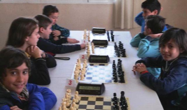 Los centros de enseñanza Santiago, Reina Sof�a, La Cruz y el IES Prado Mayor participaron en la Final Regional de Ajedrez de Deporte Escolar, Foto 5