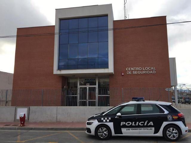 Detenido por la Policía Local tras ser sorprendido presuntamente robando en un restaurante - 1, Foto 1