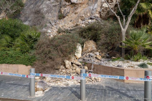 Las obras de consolidación de los taludes de la calle Gisbert evitarán a largo plazo nuevos desprendimientos - 1, Foto 1