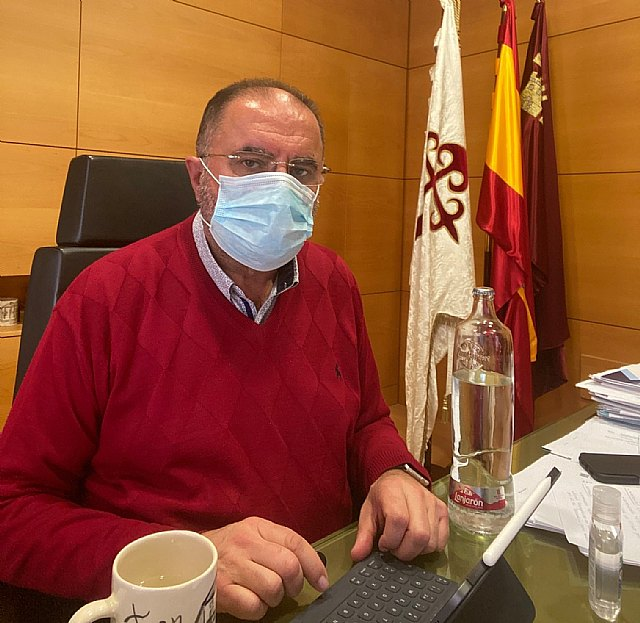 The mayor reports that positive cases for coronavirus have not been spread in the municipality