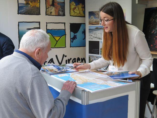 Un stand proyecta el potencial turístico de la Bahía de Mazarrón en la III muestra regional, Foto 2