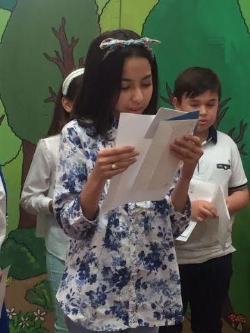 Se hacen entrega los premios del III Concurso Literario Morerica Gal�n con motivo del D�a del Libro, Foto 2