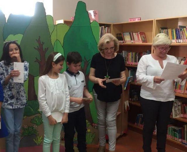 Se hacen entrega los premios del III Concurso Literario Morerica Galán con motivo del Día del Libro, Foto 8