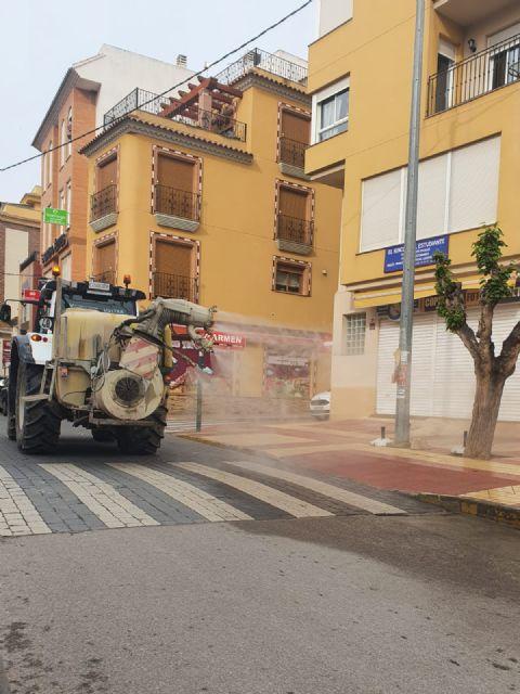 El Ayuntamiento de Puerto Lumbreras intensifica las tareas de limpieza y desinfección contra el Covid-19 - 2, Foto 2