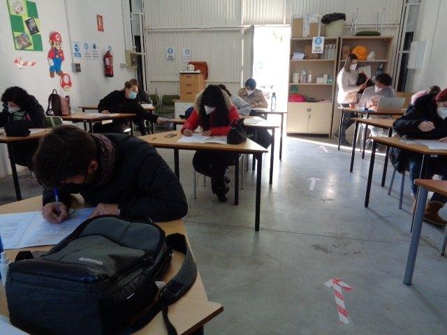 Los alumnos del PMEF Atención Sociosanitaria a Personas Dependientes en Instituciones Sociales complementan su formación con un Curso de Gerontología, Foto 2