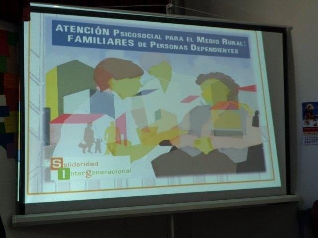 Los alumnos del PMEF Atención Sociosanitaria a Personas Dependientes en Instituciones Sociales complementan su formación con un Curso de Gerontología, Foto 3