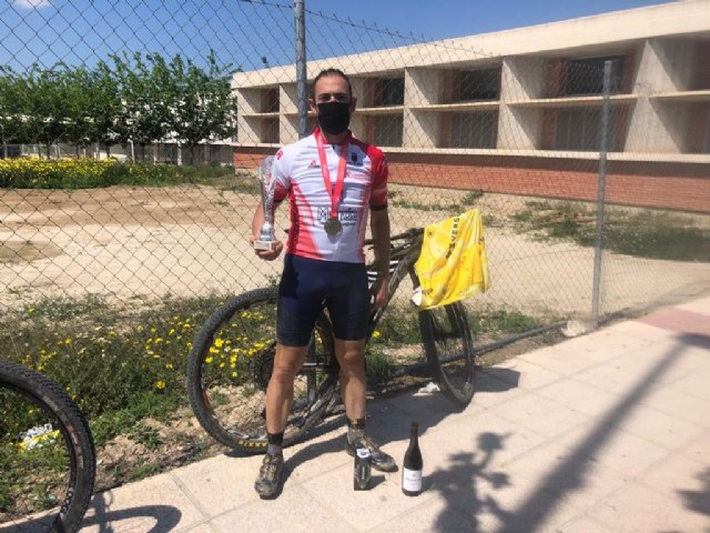 Corredores de Terra Sport Cycling Team copan los tres escalones de pódium en el Campeonato Regional de Bike Maratón XCM, Foto 4