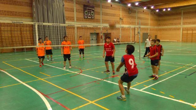 Seis equipos de Totana participaron en los cuartos de final de la Fase Regional de Baloncesto, Balonmano, Fútbol Sala y Voleibol
