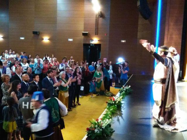 López Miras asiste al pregón inaugural de las fiestas de Moros y Cristianos de Archena - 3, Foto 3
