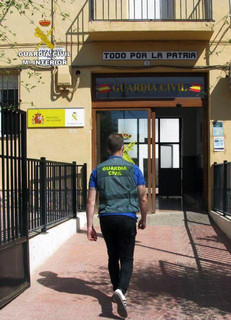 [La Guardia Civil detiene a dos peligrosos delincuentes por la extorsión y detención ilegal de un vecino de Totana