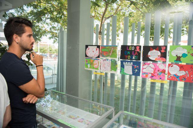 El proyecto Mochilas viajeras del CEIP Bahía incentiva la lectura compartida entre generaciones - 4, Foto 4