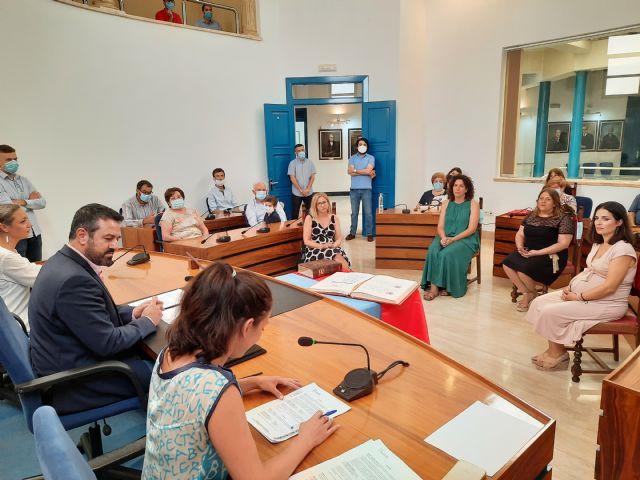 Cuatro empleadas municipales toman posesión de sus puestos como funcionarias de carrera - 1, Foto 1