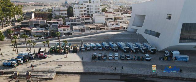 Ayer se presentaba la nueva flota de vehículos del servicio de limpieza viaria y recogida de residuos - 2, Foto 2