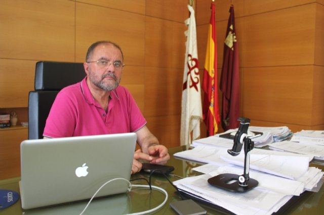 The mayor shows his rejection of the procedure for distributing extraordinary funds from the Government of Spain to combat the pandemic in the municipalities of the Region