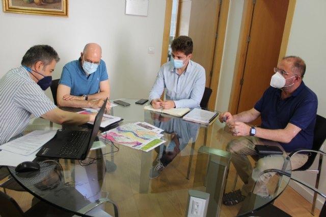 [El alcalde y el concejal de Urbanismo mantienen una reunión con representantes de INCOTEC S.L
