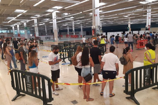 Más de 250 jóvenes participan en el cribado masivo de La Manga - 1, Foto 1