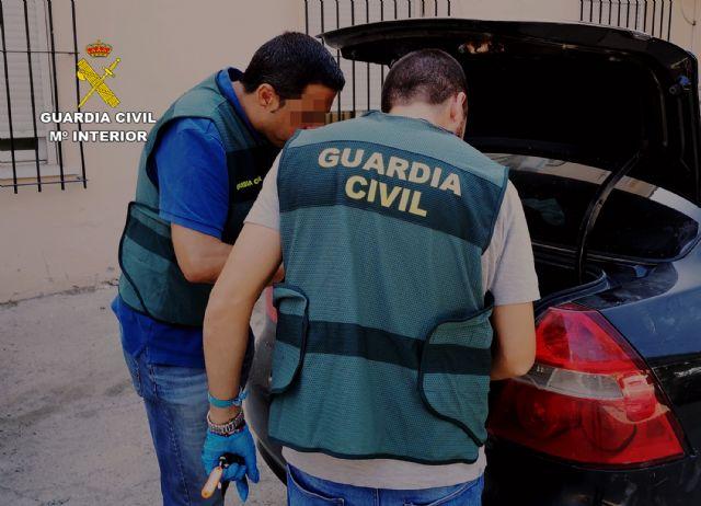 La Guardia Civil detiene a una pareja dedicada a cometer robos en Cieza - 1, Foto 1