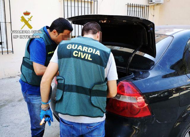 La Guardia Civil detiene a una pareja dedicada a cometer robos en Cieza - 2, Foto 2