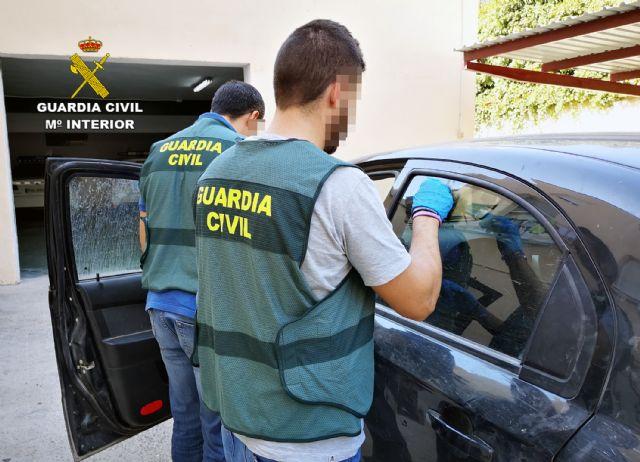 La Guardia Civil detiene a una pareja dedicada a cometer robos en Cieza - 3, Foto 3