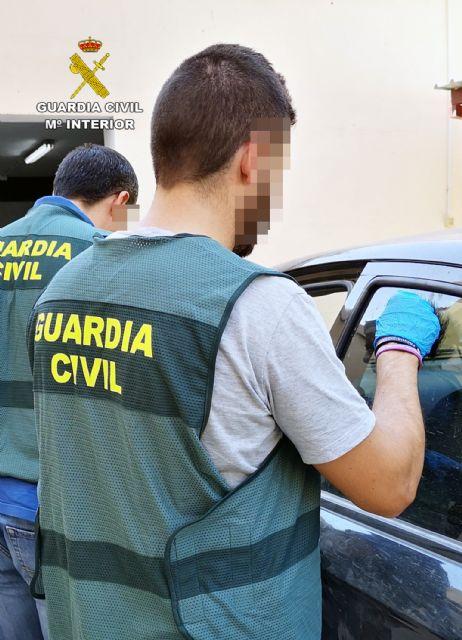 La Guardia Civil detiene a una pareja dedicada a cometer robos en Cieza - 4, Foto 4