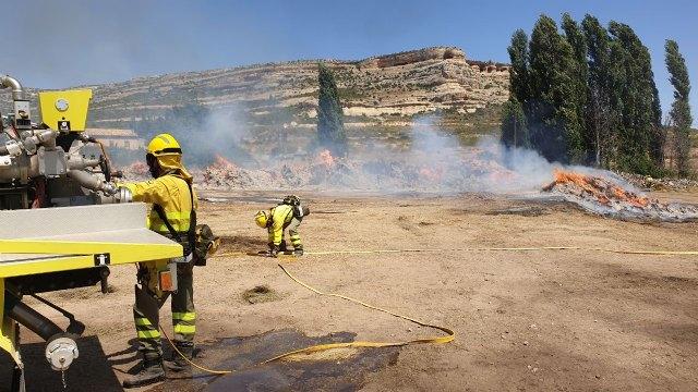 Incendio de restos de plantas aromáticas en Zaén de Arriba - 1, Foto 1