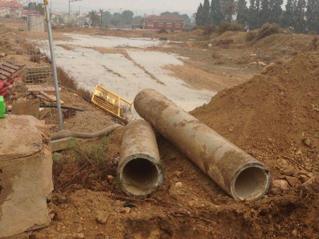 Una rotura retrasa el restablecimiento del suministro de agua, Foto 2