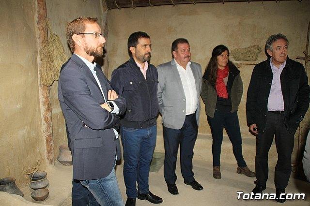El alcalde acompaña a senadores murcianos a visitar el yacimiento aqueológico de La Bastida - 3, Foto 3