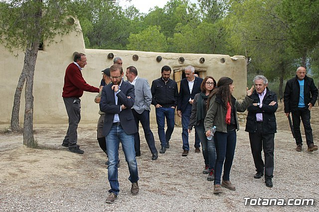 El alcalde acompaña a senadores murcianos a visitar el yacimiento aqueológico de La Bastida - 4, Foto 4
