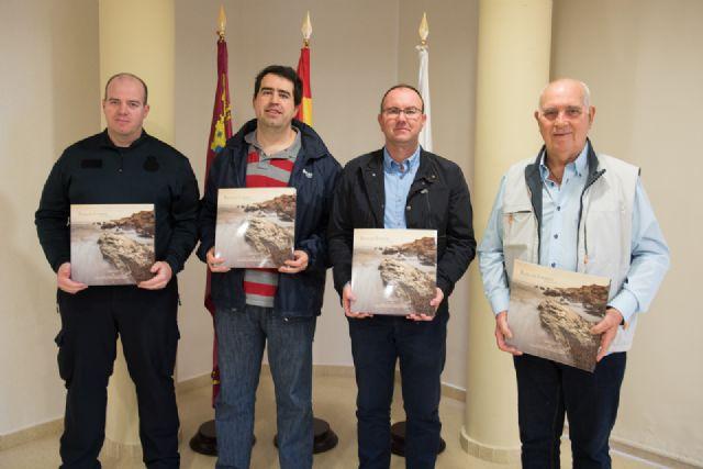Los paisajes de Bolnuevo quedan inmortalizados en un libro que recoge la visión de varios autores - 1, Foto 1