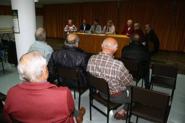 The Ordinary General Assembly of the Municipal Center for Older Persons of the Plaza de la Balsa Vieja is held, Foto 6