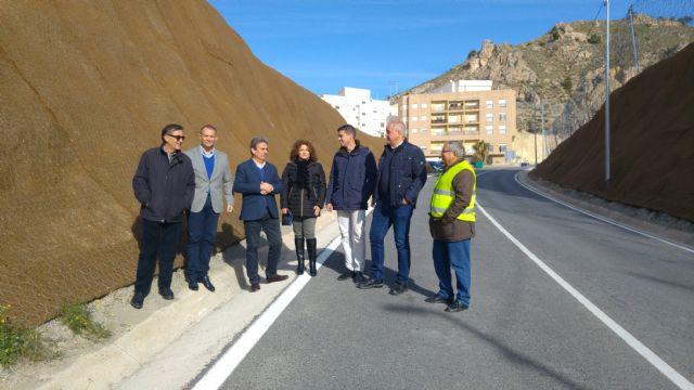 Finalizan las obras de protección contra desprendimientos en la carretera regional que une Abarán y Blanca - 1, Foto 1
