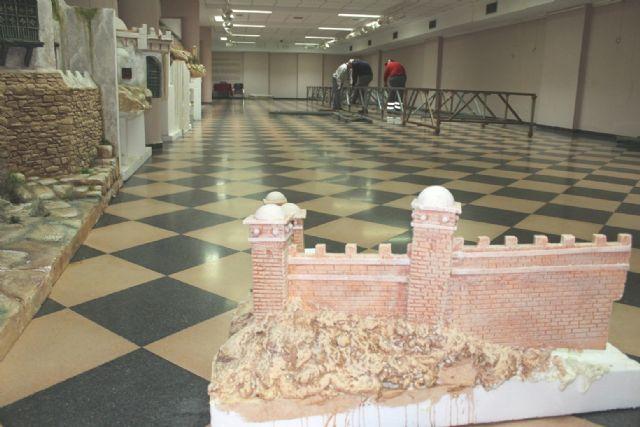 Comienzan los trabajos de montaje del Belén Municipal, que confeccionará la Asociación Agrupación Amigos del Belén Venta Los Pinos