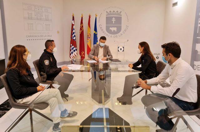 Con la puesta en marcha de dos policías tutores, el Ayuntamiento de Caravaca vela por la protección de los derechos de los menores y la prevención de conductas nocivas o ilícitas - 1, Foto 1