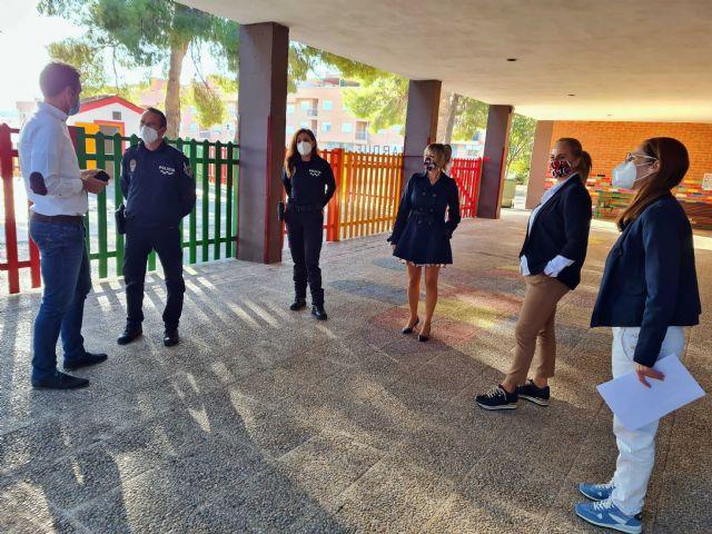 Con la puesta en marcha de dos policías tutores, el Ayuntamiento de Caravaca vela por la protección de los derechos de los menores y la prevención de conductas nocivas o ilícitas - 2, Foto 2
