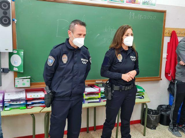 Con la puesta en marcha de dos policías tutores, el Ayuntamiento de Caravaca vela por la protección de los derechos de los menores y la prevención de conductas nocivas o ilícitas - 3, Foto 3