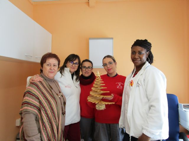 El PMEF Maderas de Bullas felicitan la Navidad con un árbol hecho en madera - 2, Foto 2